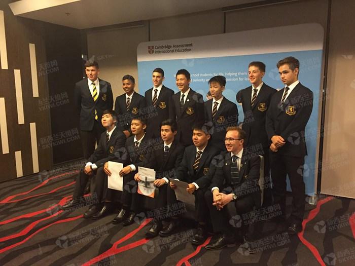 新西兰华裔学霸亲述:我很感谢父母的中国式唠叨