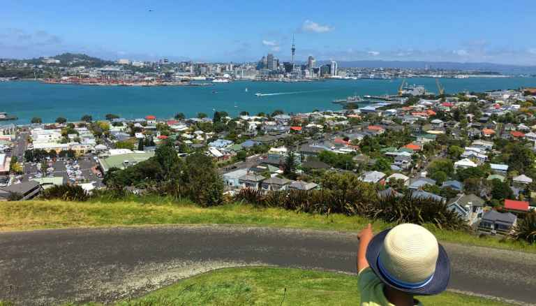 GettyImages-622163314-auckland-housing-city-north-shore-prop